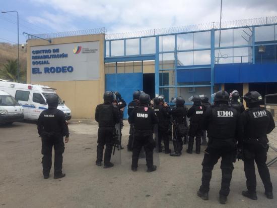 Alerta de amotinamiento en El Rodeo moviliza a policías