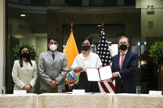 Ecuador y EEUU suscriben un acuerdo para inteligencia aduanera y antinarcóticos