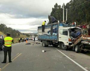 Diecisiete muertos en dos accidentes de tránsito en las provincias de Bolívar y Tungurahua