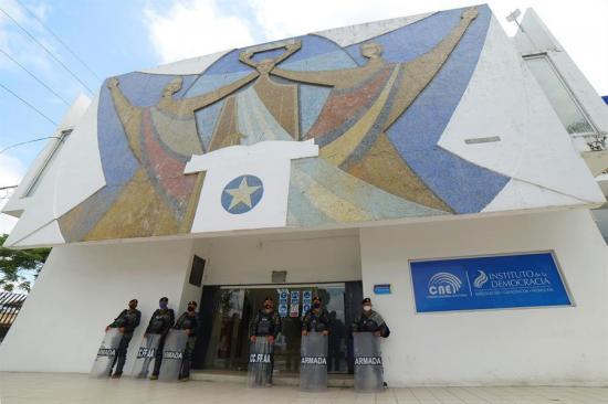 La UE capacita observadores electorales independientes para los comicios en Ecuador