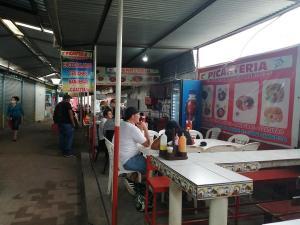 Comerciantes del pasaje Daza Mendoza, de La Concordia, luchan ante la crisis