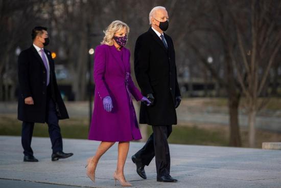 Biden llega a Washington para tomar las riendas de un país en crisis