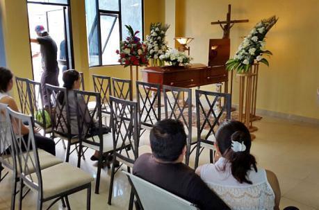 En Guayaquil prohíben la velación de fallecidos por Covid-19