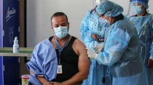 'Hoy es un día de esperanza', dice primer vacunado contra el Covid