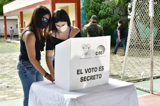 En el Ecuador se ha capacitado al 70% de los miembros de las juntas receptoras del voto