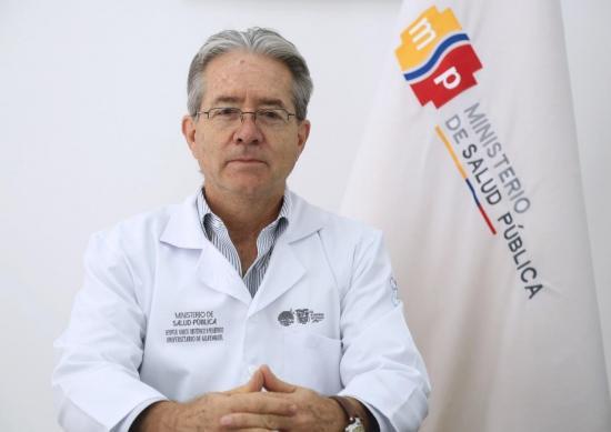 Ministro de Salud descarta renuncia tras cuestionado proceso de vacunación en centro geriátrico donde se encuentra su madre
