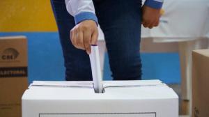 El coronavirus no disuade a los ecuatorianos en España en su cita con las urnas
