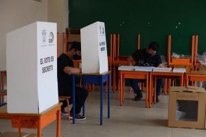 El Pleno del Consejo Nacional Electoral se reúne para analizar el recuento de votos