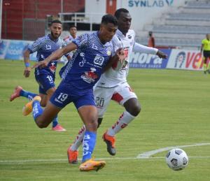Delfín vence 0-1 a Técnico Universitario