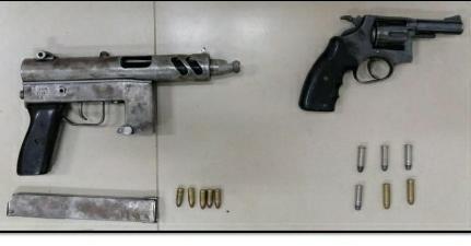 En Chone logran decomisar una subametralladora y un revólver