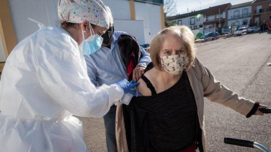 Buenos Aires comienza a vacunar contra Covid-19 a los mayores de 80 años