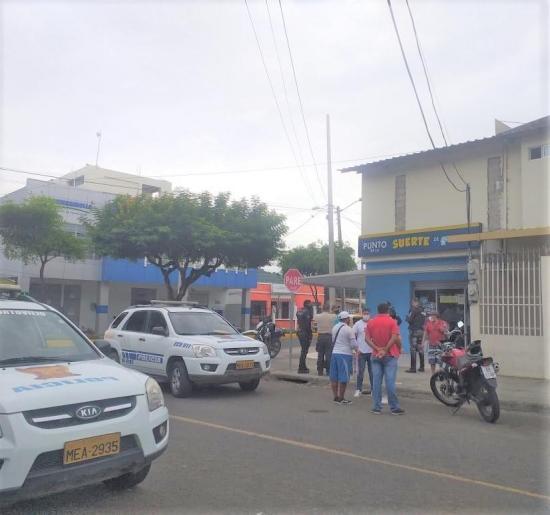 Cuatro hombres asaltaron una agencia de lotería en Portoviejo