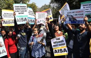 Hombre envenena a tres adolescentes indias tras ser rechazado en San Valentín