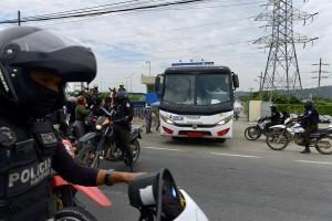Trasladan a 32 presos de la cárcel de Guayaquil como medida preventiva para frenar la ola de motines
