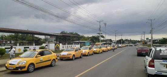 Taxistas del cantón Bolívar realizan concentración para exigir seguridad