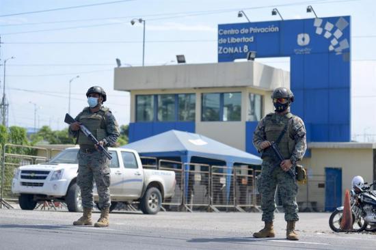 Dan por controlados los nuevos motines en dos cárceles de Ecuador