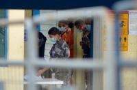 Ecuador traslada a 230 presos de una cárcel de Guayaquil para evitar nuevos motines