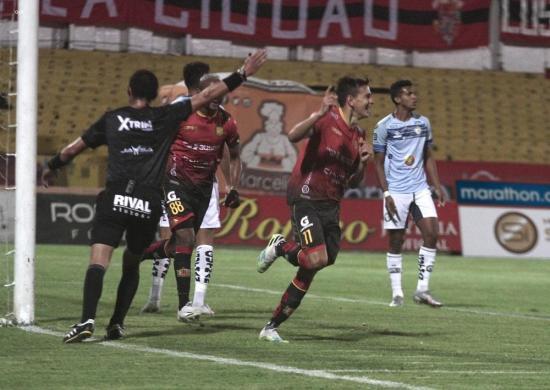 Deportivo Cuenca vence 3-0 a Guayaquil City en el Alejandro Serrano Aguilar
