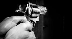 JIPIJAPA: Encuentra a un hombre herido con un disparo en el hombro