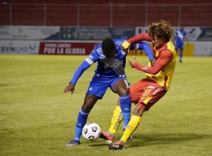 Emelec vence por 3-2 al Aucas en la ciudad de Quito