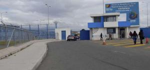 Cinco guías son retenidos en un nuevo motín en la cárcel de Cotopaxi