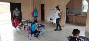 77 planteles educativos tendrán clases semipresenciales
