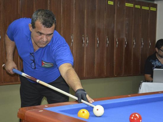 Manabita gana primera parada del Campeonato Nacional de billar a tres bandas en Piñas