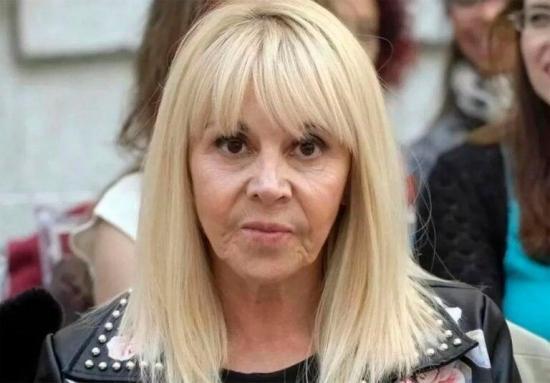 La exesposa de Maradona dice que estaba ''secuestrado'' por su abogado