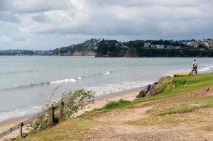 Nueva Zelanda mantiene su costas evacuadas tras alerta de tsunami por sísmos