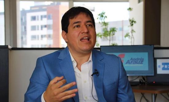 Andrés Arauz se solidarizacon las provincias afectadas por las inundaciones