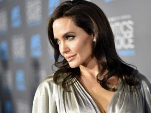 Angelina Jolie vende un cuadro de Churchill por 11,5 millones de dólares