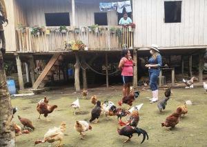 150 mujeres de San Isidro buscan créditos para emprender