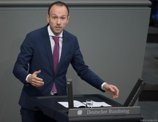 Diputado alemán abandona la política por corruptela con mascarillas
