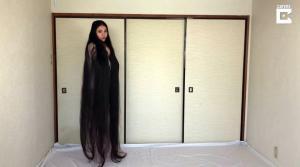 Rin Kambe, la Rapunzel de la vida real cuya larga cabellera mide 1,80 metros